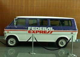bureau fedex photo de bureau de fedex express vintage fedex delivery vehicl