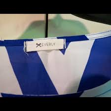 44 off everly tops everly blue and white chevron blouse from