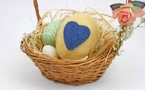 felted easter eggs how to make a felted easter egg hobbycraft