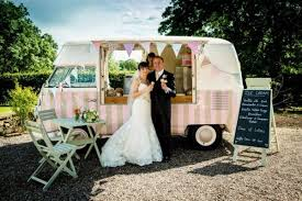 inexpensive wedding 11 tips to an inexpensive wedding day roaming hunger