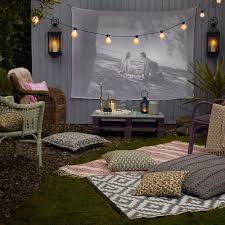 easy diy outdoor cinema will make your yard the ultimate place for