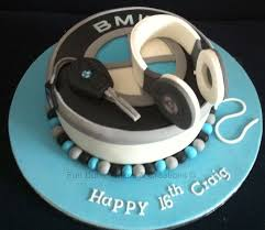 bentley car cake cakecentral com bmw beats headphones cake things i love pinterest beats
