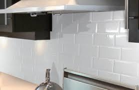 relooker credence cuisine credence cuisine carrelage metro beautiful superior plinthe bois