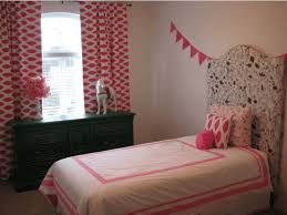 Pink And White Bedrooms - how to decorate a master bedroom with pink