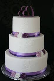simple and elegant with a touch of purple the topper goes with