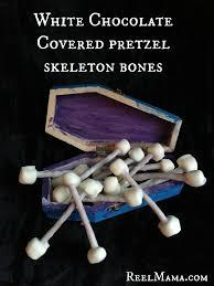 white chocolate covered pretzel bones for halloween