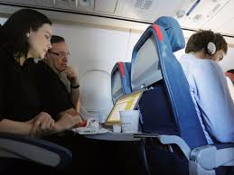 worst and best days to travel thanksgiving business insider