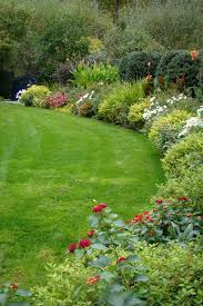 pictures of flower garden borders the perfect border for your beds