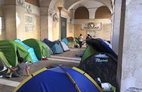 apostoli tende la casa gratis a vita per i rifugiati non 礙 un diritto 盪 la