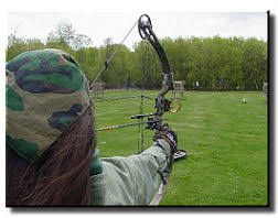 welcome to women hunters shooting bow hunting