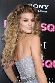 Frisuren Naturlocken by Annalynne Mccord Frisuren Frisuren Magazin
