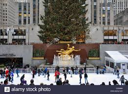 christmas tree and ice skating rink at rockefeller center new