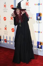 oven halloween costume jessica alba heidi klum u0026 more celebrities in witch costumes photos