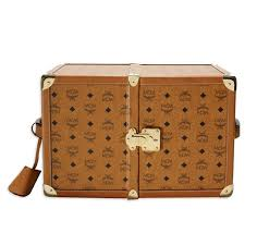 beautiful travel trunks 397 best trunks images on pinterest stems trunks and steamer trunk