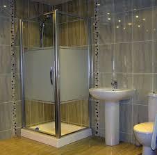 ceramic tile design for small bathrooms thelakehouseva ceramic tile design for small bathrooms