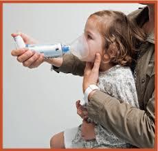 chambre d inhalation enfant mon enfant doit prendre un médicament par inhalation planete sante