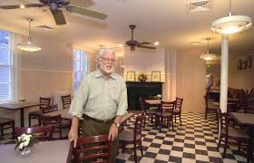 frank gant architect who led renovation of parts of hopkins