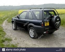 land rover freelander 2000 land rover freelander off road in the countryside stock photo