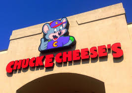 injured in shooting leaving everett chuck e cheese
