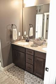 Decorating Ideas For Bathroom by Best 20 Brown Bathroom Ideas On Pinterest Brown Bathroom Paint