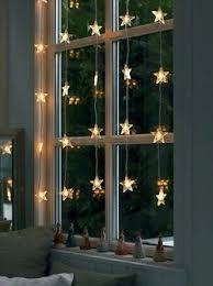 christmas lights in windows pescadepirilos via culto decor rooms for the kiddos