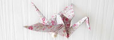 origami chambre bébé création d une guirlande de grues origami liberty krea com