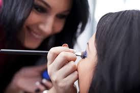Become A Professional Makeup Artist Makeup Artist Become A Makeup Artist Beautiful Makeup Ideas
