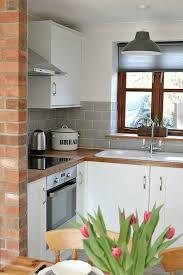 cream kitchen tile ideas 20 best kitchen images on pinterest kitchen ideas homes and small