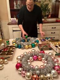ornament wreaths step by step are easy to follow