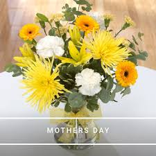wedding flowers belfast flowers are us belfast bouquets floral baskets handties