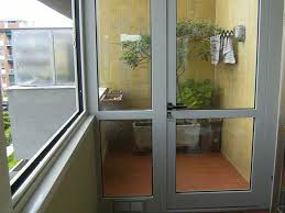 chiudere veranda a vetri vorrei chiudere con veranda in vetro rimovibile il balcone della
