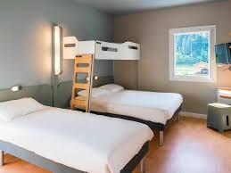 chambre 4 personnes hôtel à sallanches ibis budget sallanches pays du mont blanc