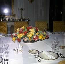kn c20565 table settings and flower arrangement for white house