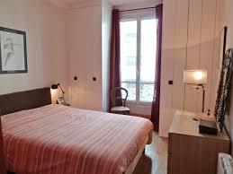 chambre avec placard placards sur mesure pour chambre grand confort la decorruptible