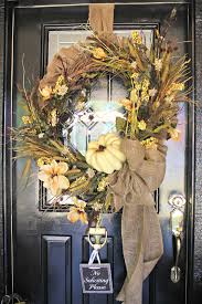 easy thanksgiving wreaths my sister u0027s crazy porch decorations that easily transition from