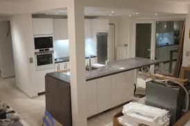 construire ilot central cuisine charmant ilot central avec table 11 montage de la cuisine schmidt