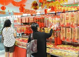 New Years Decorations 2016 by Chinese Lunar New Year Decorations Welcomed In Brunei Xinhua