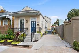 this new east riverside home with a stellar kitchen asks 575k