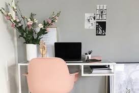 Things To Keep On Office Desk 11 Pinterest Office Spaces That Actually Make Me Want To Work