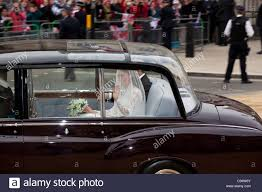 roll royce royal royal wedding rolls royce phantom vi kate middleton whitehall