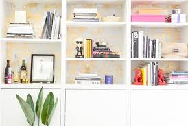 Bookshelves Nyc by A Look Inside Fashionista U0027s Chic New York City Office Officelovin U0027