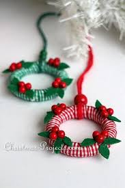 craft project for mini wreath ornaments