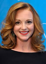 how to get soft curls in medium length hair jayma mays shoulder length hairstyle with big curls for work