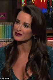 kyle richards hair extensions kyle richards was engaged to michael tuck when she met husband