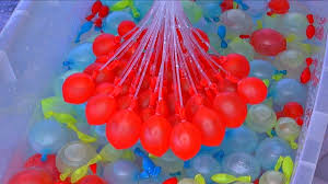 bunch balloons bunch o balloons make 240 water balloons fast balloon bonanza zuru