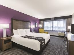 Bedroom Furniture Va Beach La Quinta Inn Suites Virginia Beach Va Booking Com