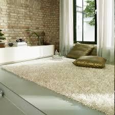 tapis pour chambre tapis shaggy blanc ivoire esprit home
