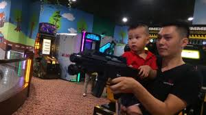nerf gun war cute kid vs daddy protect the for with loop