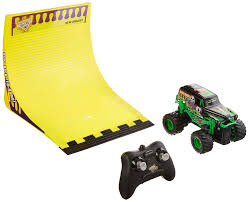 monster jam grave digger remote control truck amazon com new bright r c f f 4x4 monster jam grave digger with