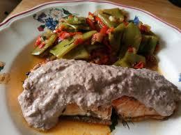cuisiner filet de saumon filet de saumon a la crème d olive à indice glycémique bas par